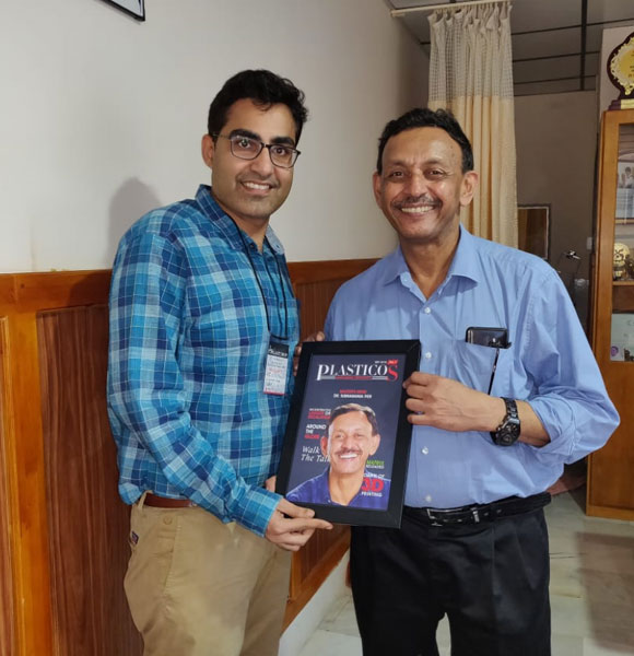 Dr. Anmol Chugh with India's first hand transplant surgeon Dr. Iyer